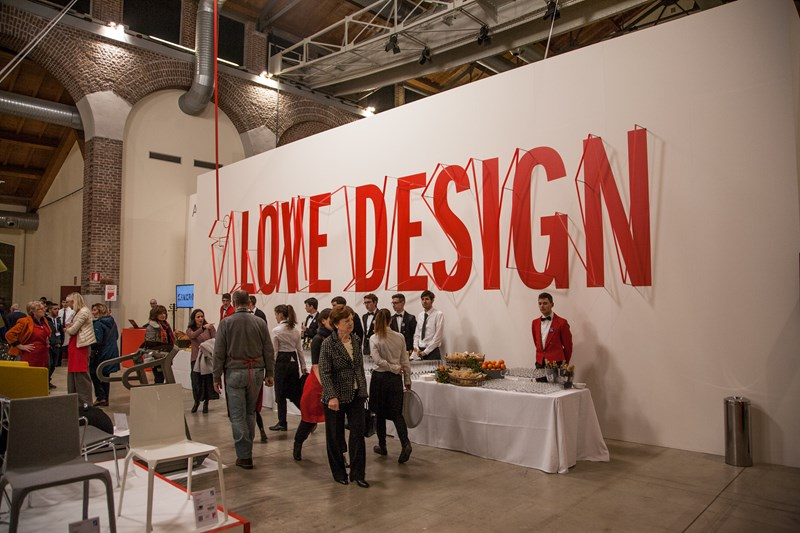 MARTINELLI LUCE SUPPORTS LOVE DESIGN AIRC 2015