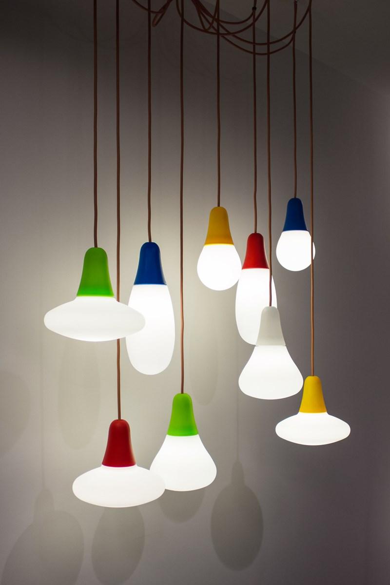 Euroluce 2015: iconic pieces, large sizes and minimal design