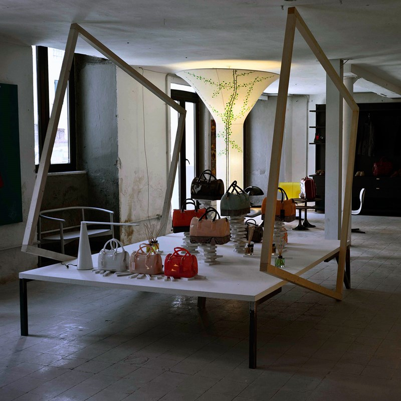 Martinelli Luce presents the installation