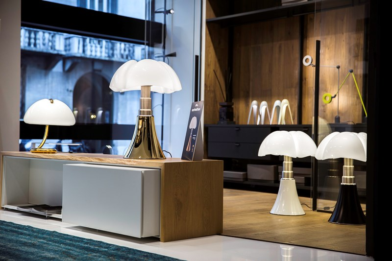 65-15 | 50 YEARS OF LIGHT a party at the new showroom in Milan