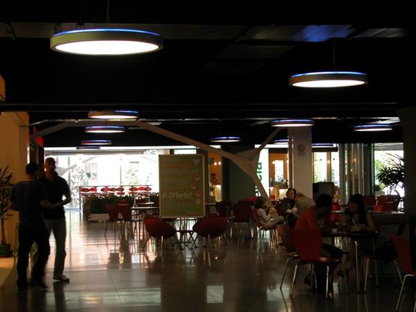 <b></b>Centro commerciale - Bologna