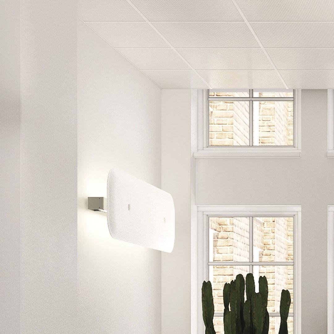 Hushbody lamp wall
