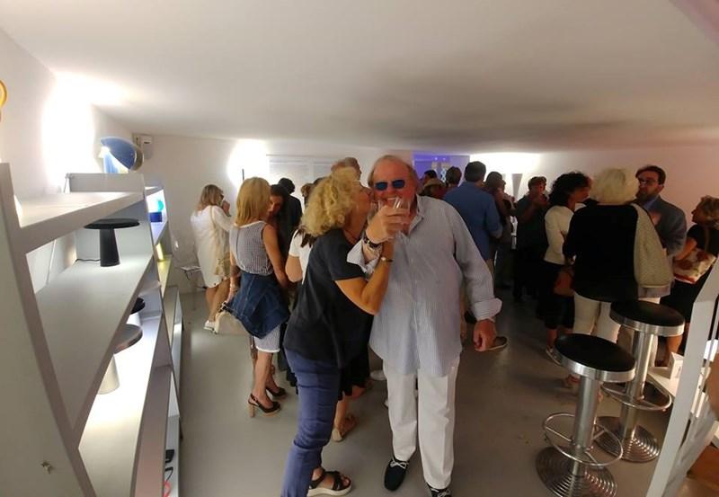 La mostra dedicata a Elio Martinelli si sposta da Milano a Lucca